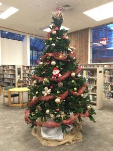 santa in tree at the library